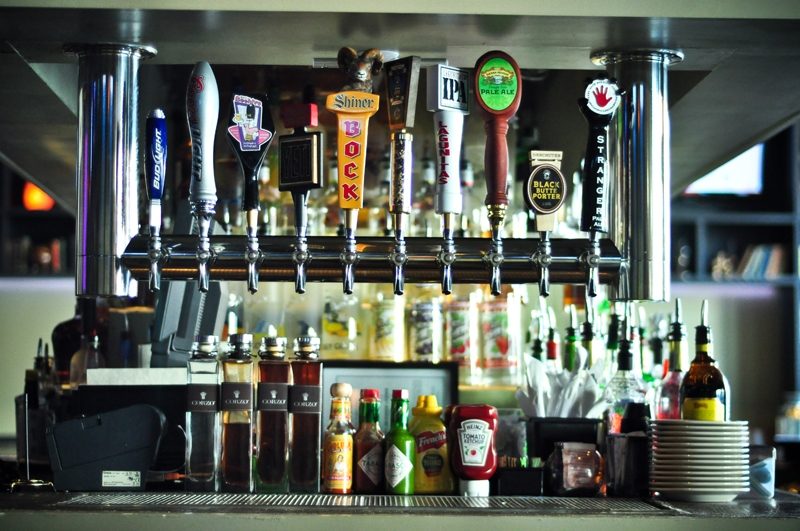 all your favorite local and national brews